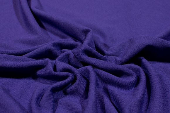 Mørklilla stretchjersey i kvalitetsviscose og lycra