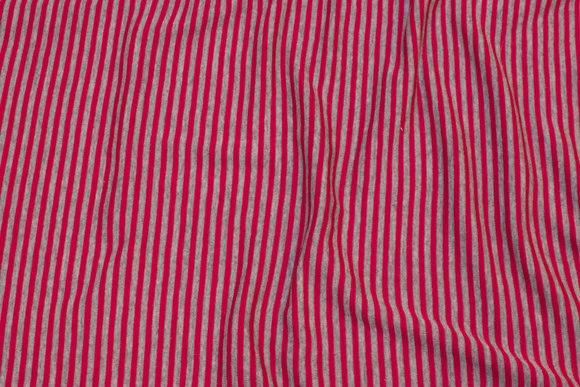 Smalstribet uldjersey i rød og grå