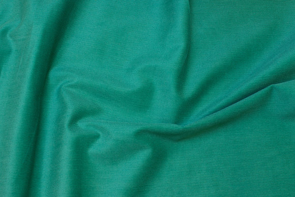 Jadegrøn, smalriflet fløjl