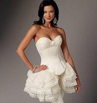 Kurvet-søm corsets og nederdele. Butterick 6338.
