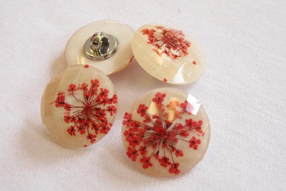 Fine blomster knapper 2,3cm