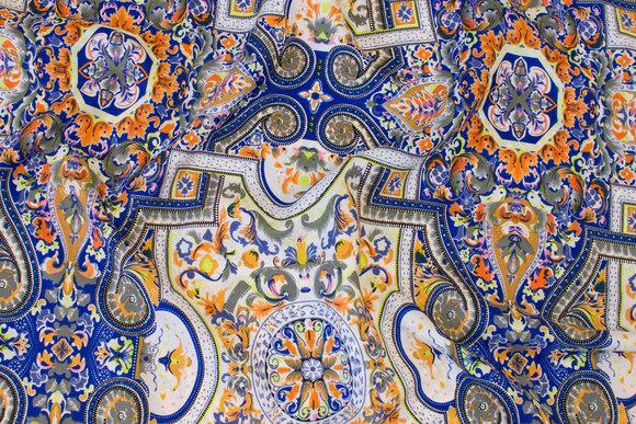 Hvid, blå og orange, let bluse-micropolyester