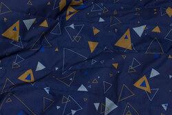 Let imprægneret quilt i marine med kanel trekanter