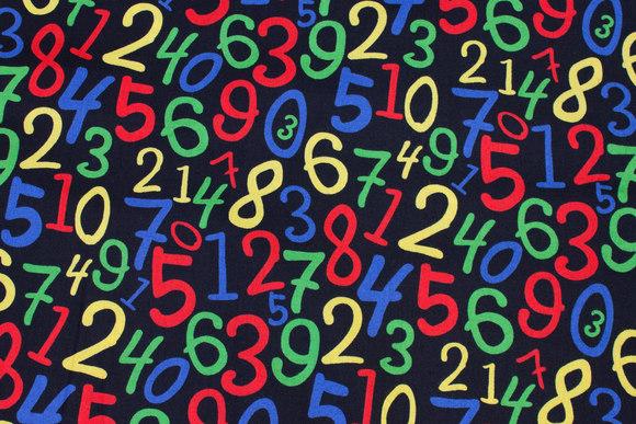Sort patchwork-bomuld med kulørte tal