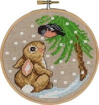 Kanin og fugl i træ, vinterbroderi. Permin 13-6245.