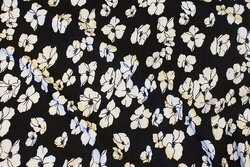 Blød modaljersey i sort med hvide blomster