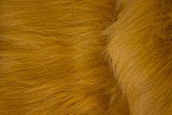 Langhåret, imiteret pels i løvefarvet gyldenbrun