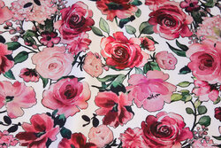 Økologisk, ruet isoli i hvid med roser