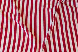 Rød og hvid tværstribet bomuldsjersey