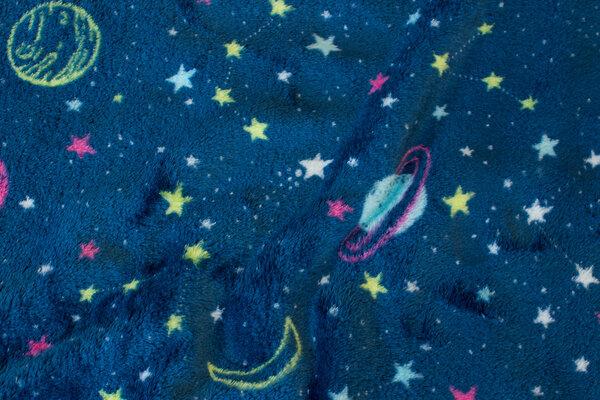 Superblød microfleece i mørk petrol med planeter og stjerner