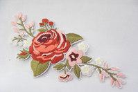 Broderet rose røde/lyserød til påstrygning 15x6cm