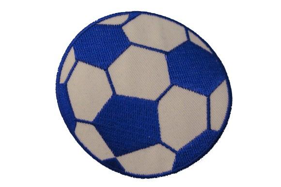 Koboltblå fodbold strygemærke. 7 cm