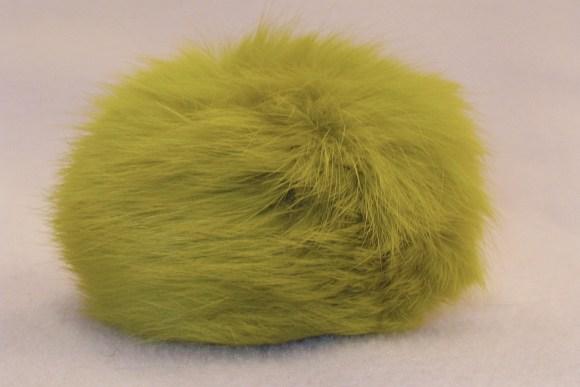 Pompon, limefarvet kaninpels ø ca.8cm.
