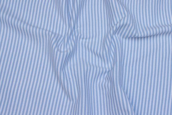 Ribstof smalstribet lyseblå og hvid