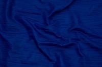 Taft i changerende blå farver med krøleffekt