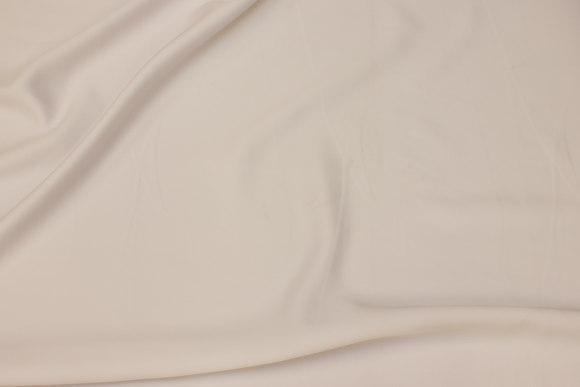 Mat micro-satin i hvid til kjoler