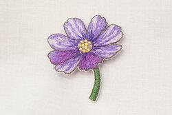 Strygemærke blomst lilla 4 x 3 cm
