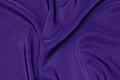 Micro silk-look i mørklilla. 98 kr.