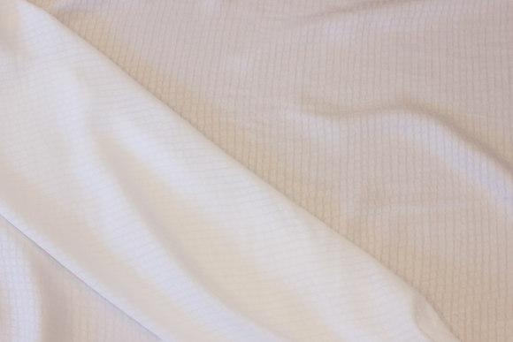 Helt let bluse-viscose i hvid med lille rudemønster