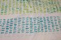Let polyester til bruseforhæng i hvid og lime og turkis
