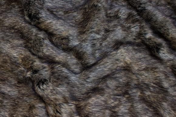 Naturtro imiteret ulvepels