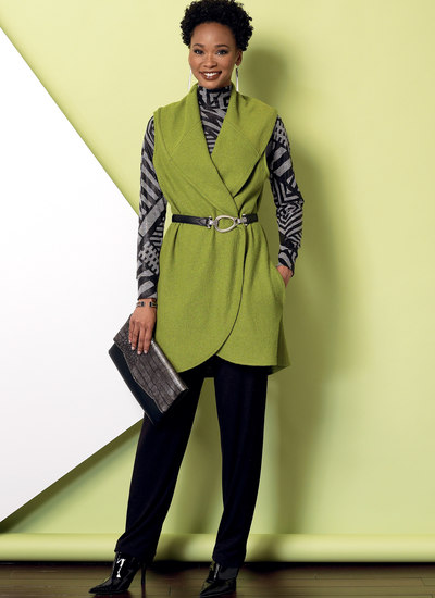 Raglanærmetop og -tunika, kravevest og træk-på bukser