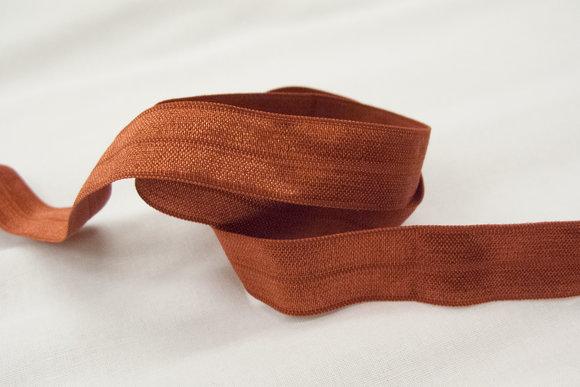 Elastikkantebånd rustfarvet 2 cm. br.