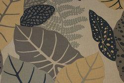 Grå Textildug med blade i marine og jordfarver