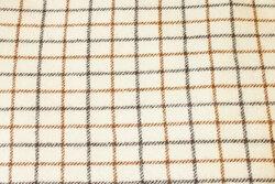 Off white, klassisk møbeltern i ren uld med brun tern