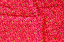 Rød og pink bomuldspoplin med ca.1 cm store hindbær