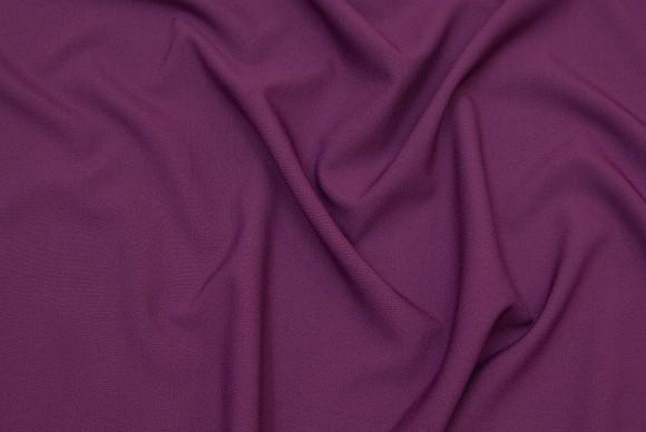 Rødlilla polyestervare i klassisk kvalitet