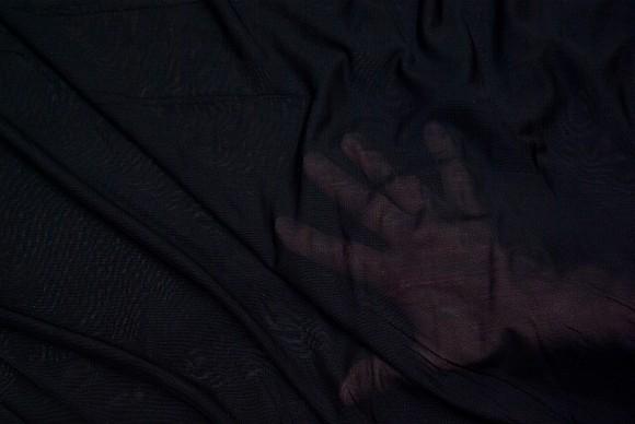 Tyndt, transparent, strækbart, mesh-polyester i sort