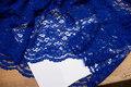 Koboltblå kjoleblonde med tunger i begge sider