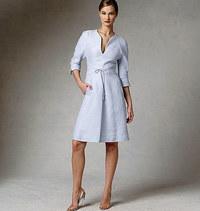 Kjole, knælang med ærme- og lageffekt. Vogue 1381.