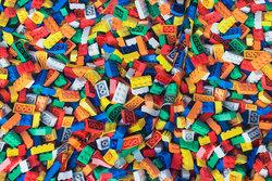 Bomuldsjersey med Lego i flotte farver