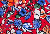 Let, rød micropolyester med store blomster i blå og rød