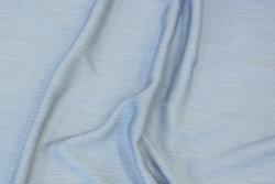 Blød bluseviscose i meget smalstribet marine og off white