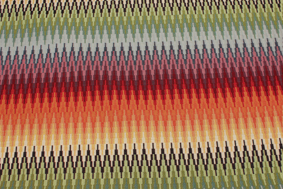 Flot møbelvare med tvær-zigzagstriber i multifarver