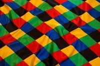 Harlekinmønstret satin 10 cm tern i stærke farver