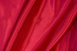 Rød polyester-satin