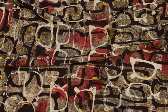 Bluse-micropolyester i vin og nougatfarvet med brillemønster