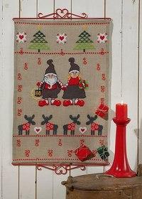 Julepakkekalender med rensdyr, nisser og træer. Permin 34-5225.