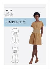 Kjole med strik på maveområde. Simplicity 9135.