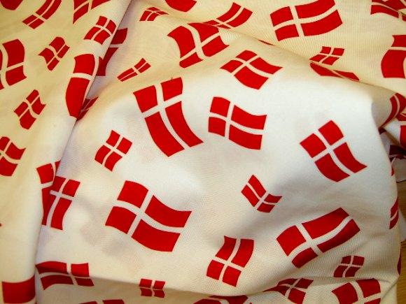 Fødselsdagsbomuld med danske flag.