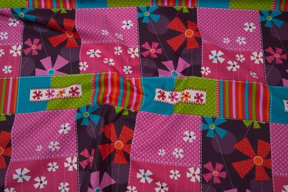 Flot firkant-mønstret bomuld i pink, grøn, turkis