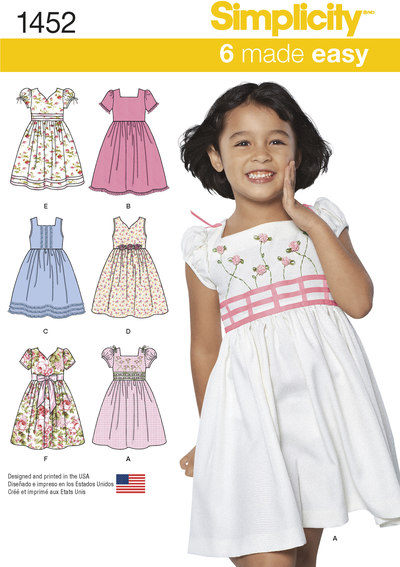 Kjole med høj talje og stropper eller ærmer