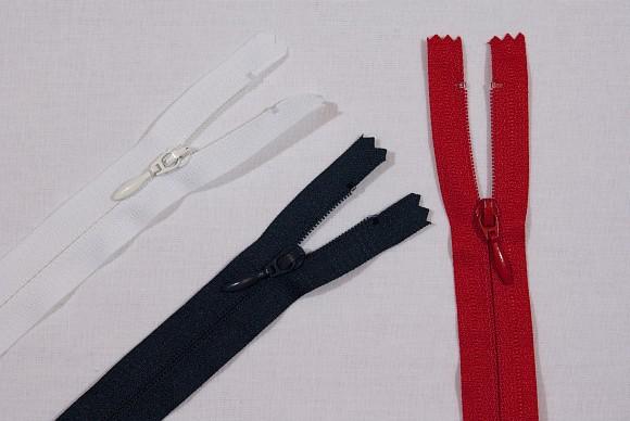Kjolelynlås, 4 mm bred, 55 cm lang