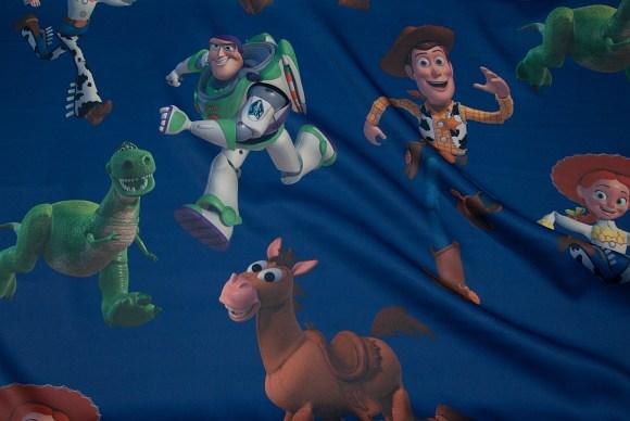 Mørkeblåt mørklægningsstof med Buzz Lightyear, Woody, Toy story