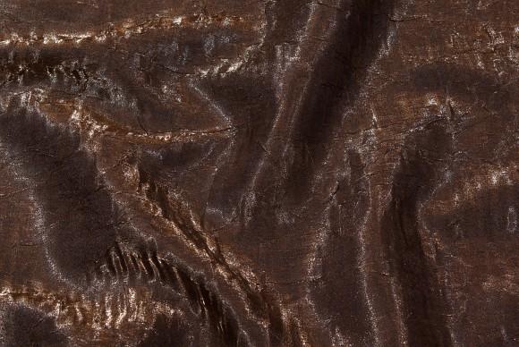 Crinklesatin i chocoladebrun i elegant kvalitet