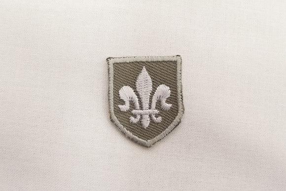 Fransk lilje strygemærke grå 2x3cm